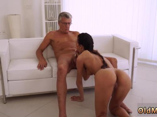 Man that is pregnant xxx she has her boss dick
